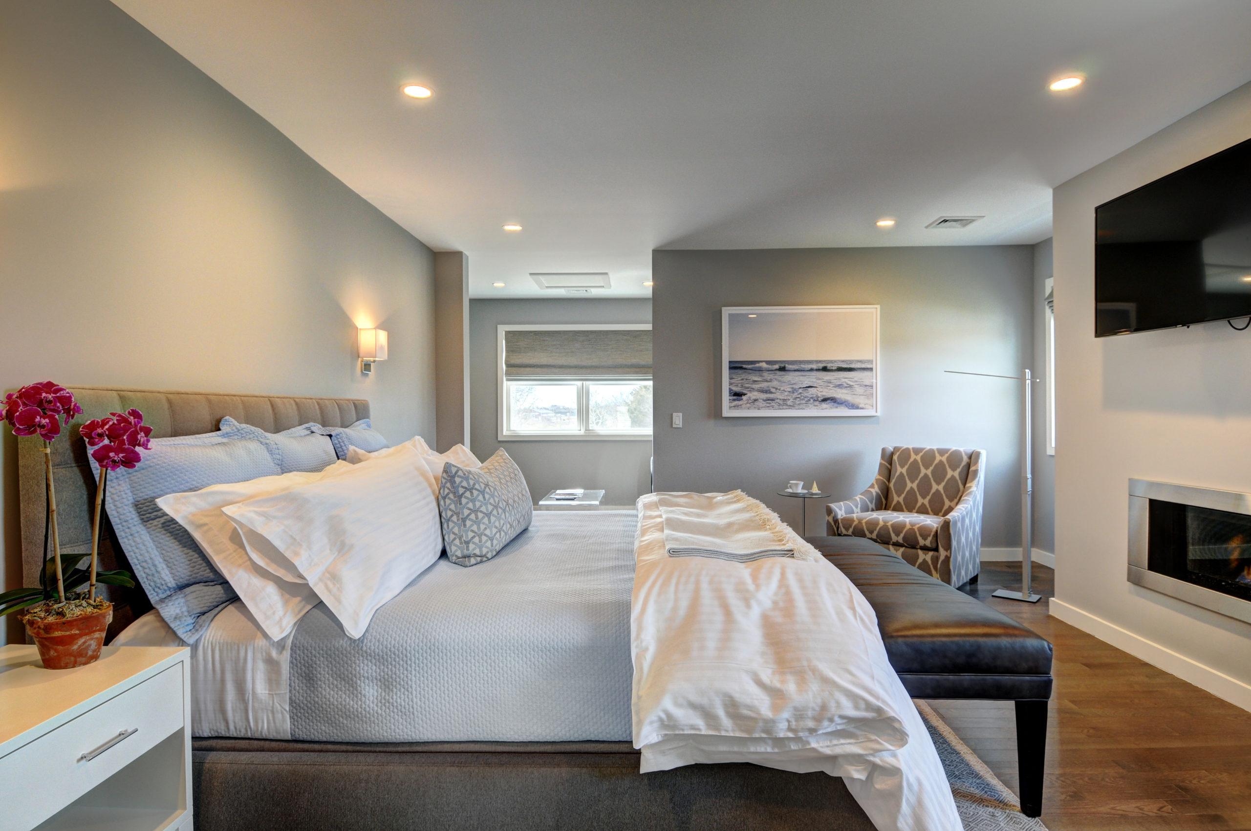 Halsey suite (1)