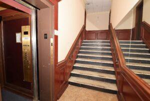 20 W Park Ave - interior hallway + elevator