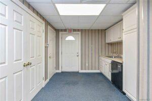 499 Lake Ave kitchen