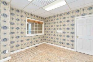 499 Lake Ave wallpaper office