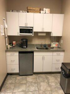 140 Adams Ave Hauppauge kitchen