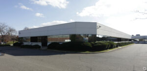 140 Adams Ave Hauppauge outside view